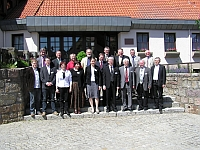 Gruppenbild der Referentinnen und Referenten des 2. Internationalen Rathgeber-Symposiums